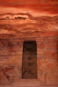 Discover the Lost City of Stone, Petra (desired by 4)